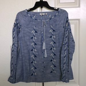 Dylan woman's blue blouse in size Small.